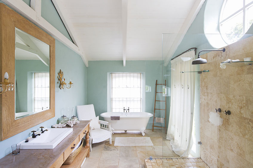 Latest Color Trends for Bathroom Walls